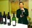 120129047 David and good vino